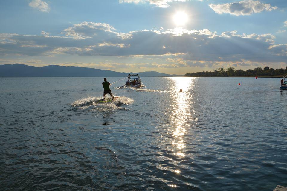 Trichonida_lake