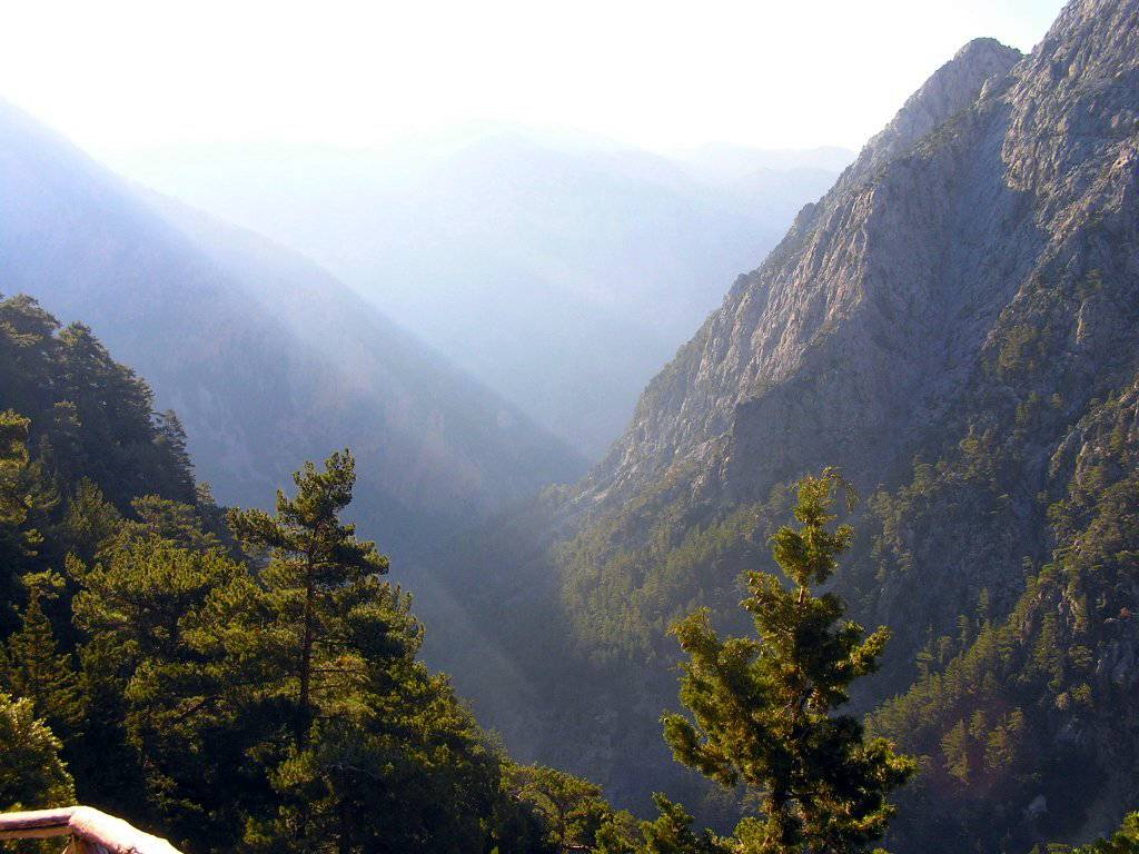 Hiking in amazing Samaria Gorge!