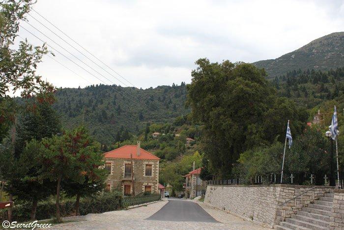 greece_mountain_nafpaktos