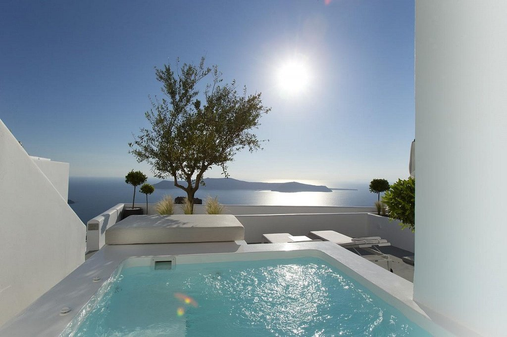 best_hotels_santorini
