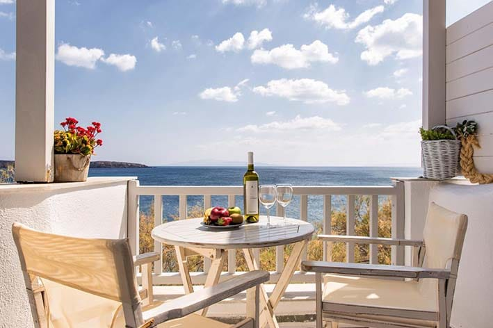 Tarsa studios Best Hotels in Paros island