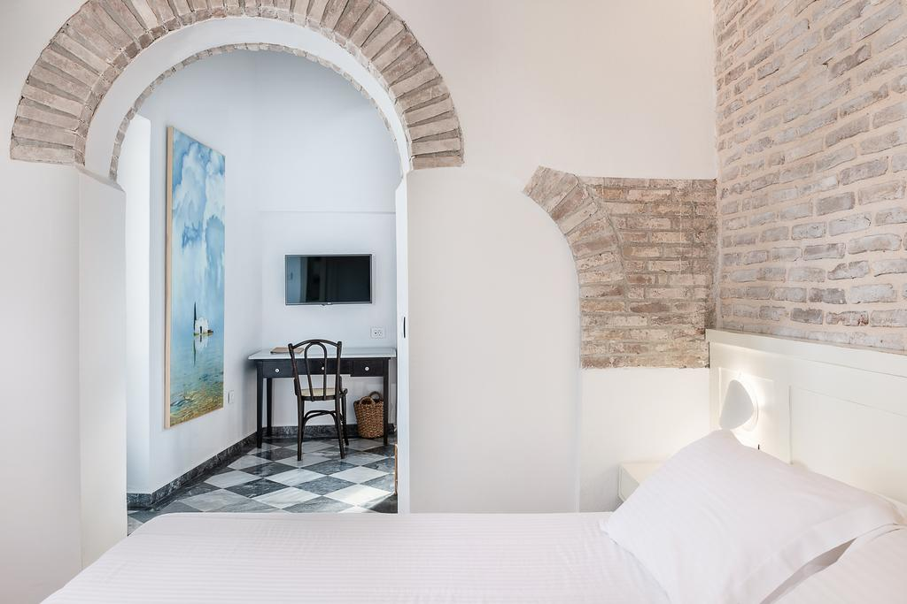 Best Hotels in Chania Hotel off