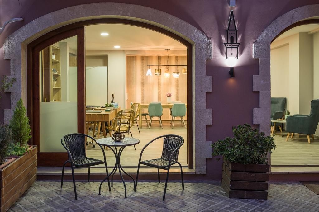 Best Hotels in Chania minaret suites