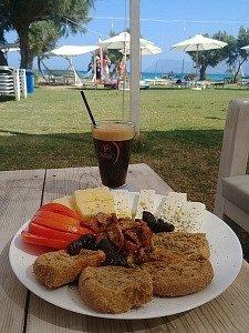 breakfast Mpalos beach Crete