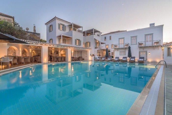 Zoe's Club best hotels Spetses island