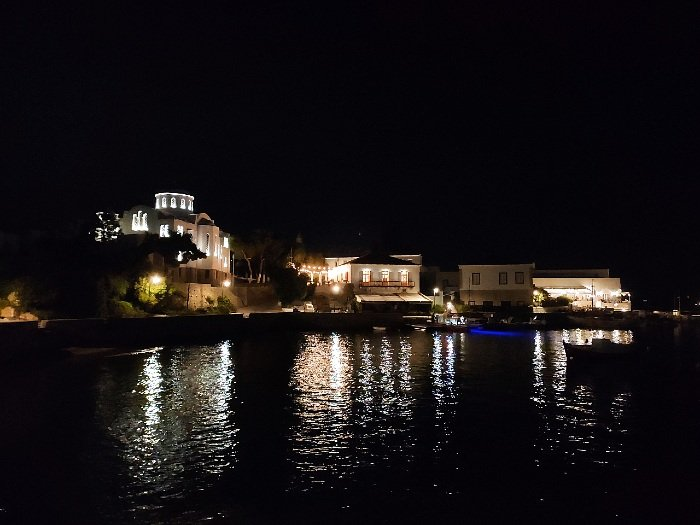 old harbour spetses_by night