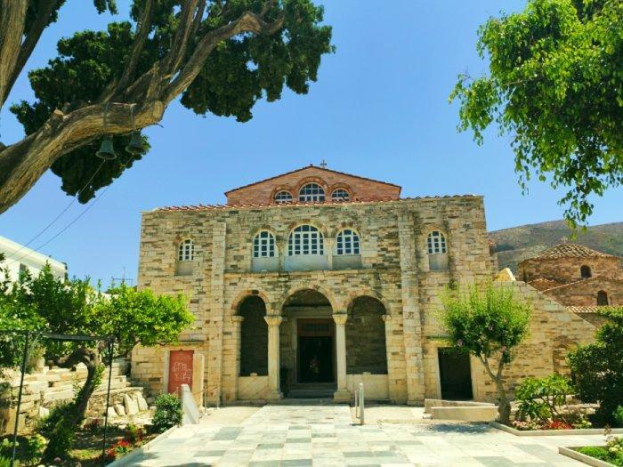 Church of Panagia Ekatontapiliani paros