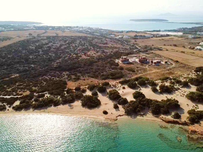 Laggeri beach best beaches in Paros island
