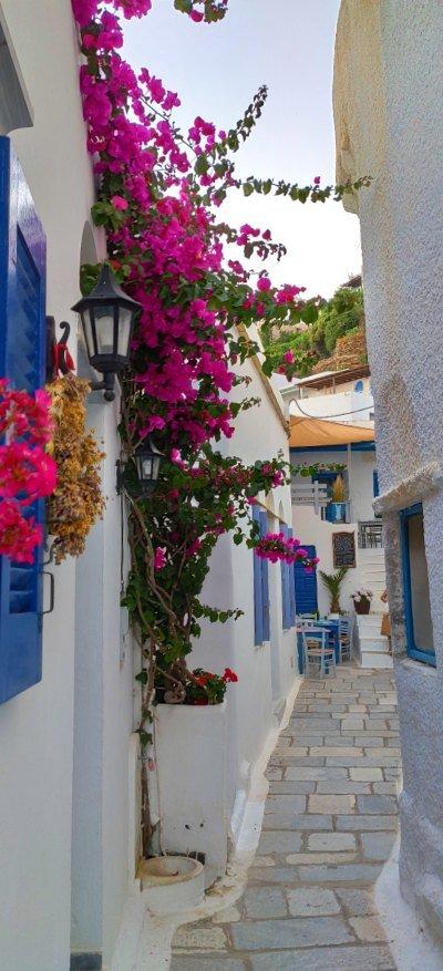 Kardiani village alleys
