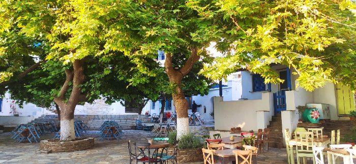 Dio Choria Square tinos island