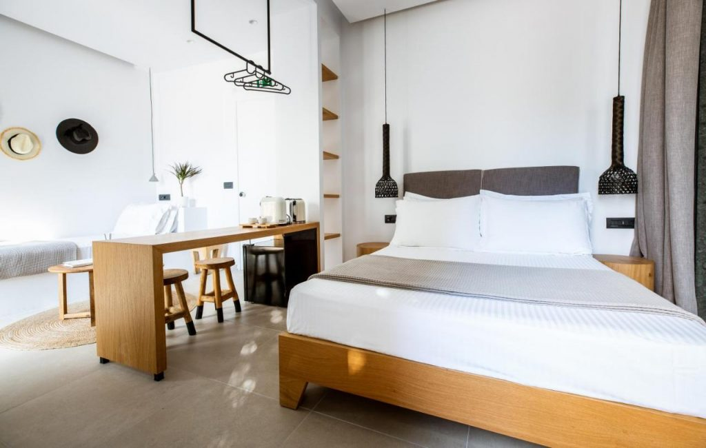 Eleana Hotel where stay in tinos island